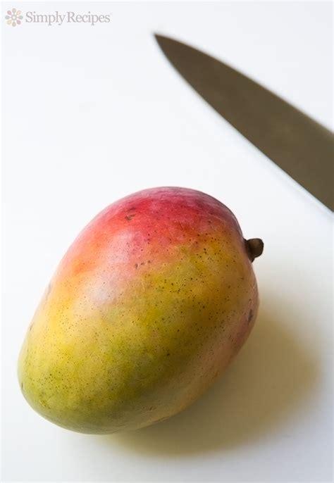 Manggo Smoothies Slime 100gr how to cut a mango simplyrecipes