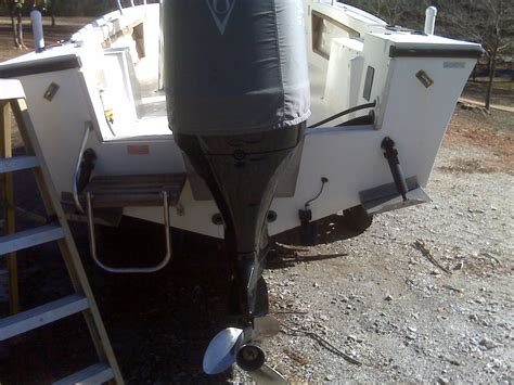 boat transom cracks crack in transom the hull truth boating and fishing forum