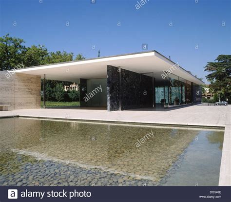 barcelona pavillon 1929 the fundaci 243 mies der rohe german pavilion for the