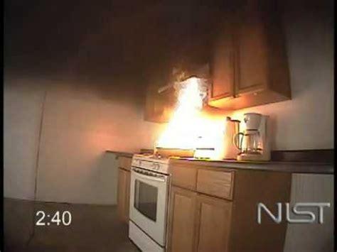 esp la cocina de incendio fuera de control en la cocina demostraci 243 n youtube