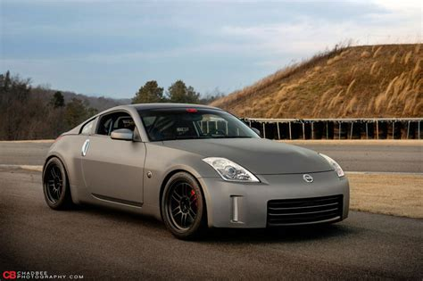 nissan 350z wallpaper your ridiculously awesome nissan 350z wallpaper is here