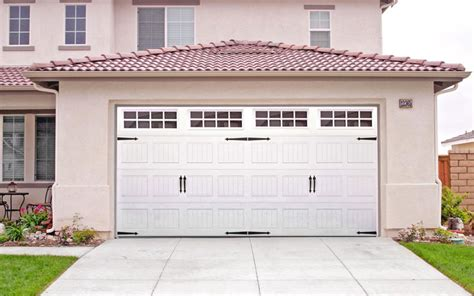 carriage garage doors lowes