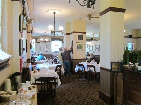 legislative dining room victoria james bay updated