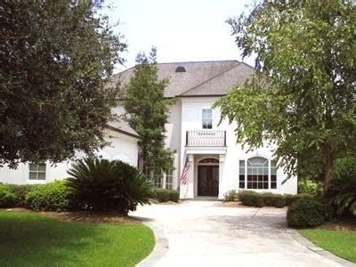 white stucco house 17 best ideas about stucco houses on pinterest stucco exterior stucco house colors