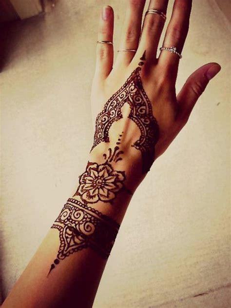 1000 id 233 es sur le th 232 me tatouage marocain sur