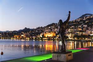 Photos Albums Happiness In Montreux The Crowded Planet