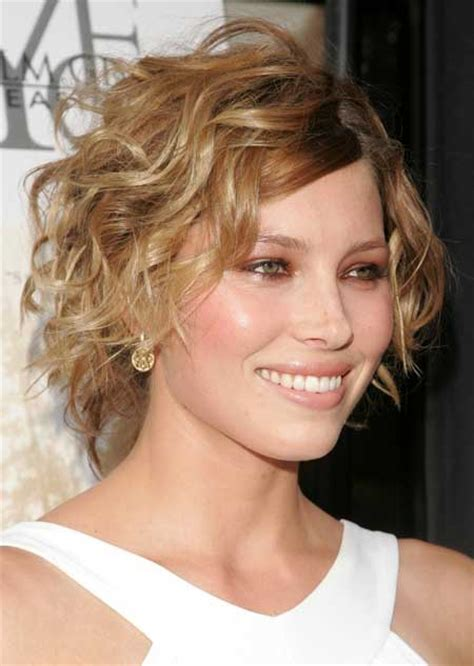 brunette womens shaggy layered short haircuts 15 funky short shaggy hairstyles hairstyle for women