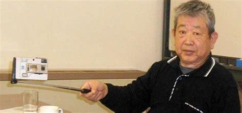 Tongsis Yang Ada Kabel hiroshi ueda pencipta tongsis pertama di dunia
