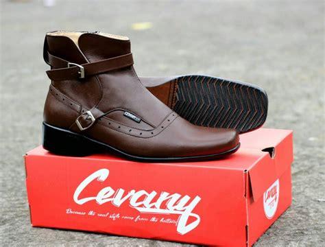 Sepatu Cevany Pantofel Original Kulit Asli sepatu pantofel pria sepatu kulit asli cevany pacuan coklat lazada indonesia