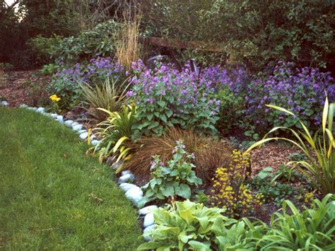 Garden Flower Borders 1000 Images About Garden Addict And Beautiful Garden
