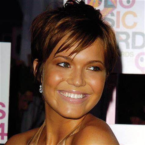 mandy moore short hair cuts at a glance hair fad styles short hairstyles trends 2010 2011 new mandy moore cute