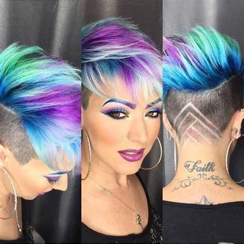Frisuren Mit Farbe by Dunkle Haare Bunt Farben Moderne M 228 Nnliche Und Weibliche