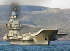 russian aircraft carrier admiral kuznetsov with its su 33