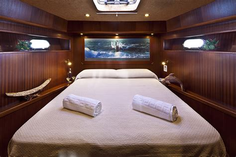 electra superyacht master cabins bathroom yacht luxury yacht charter sailing yacht myosotis master cabin