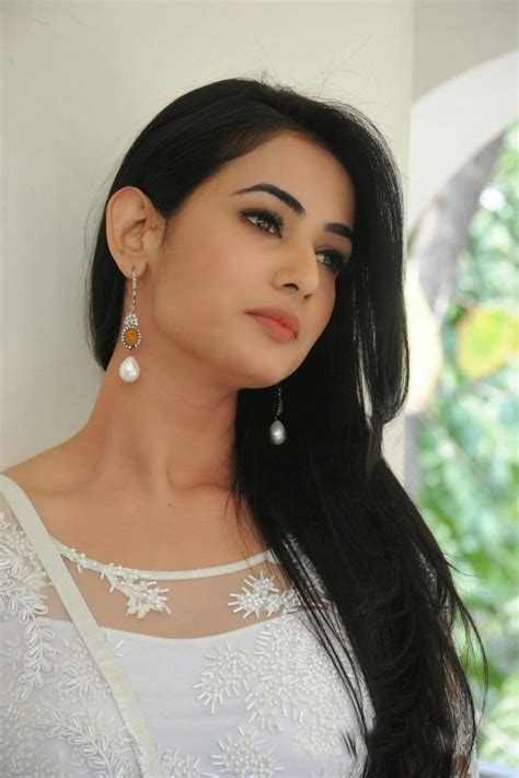 sonal chauhan ringtone sonal chauhan bollywood actress wallpapers download