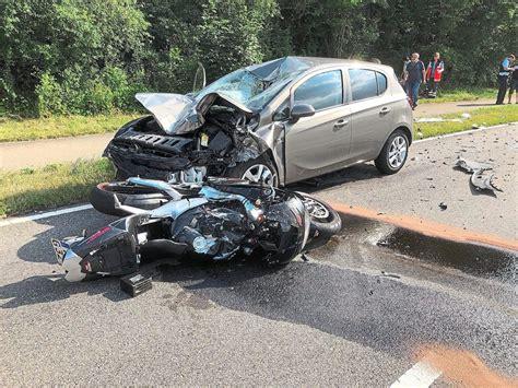 Motorrad Fahren Nach Unfall by Haigerloch Motorradfahrer Nach Unfall In Lebensgefahr