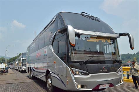 bus premium  kelas ekonomi layani rute sumatera jawa