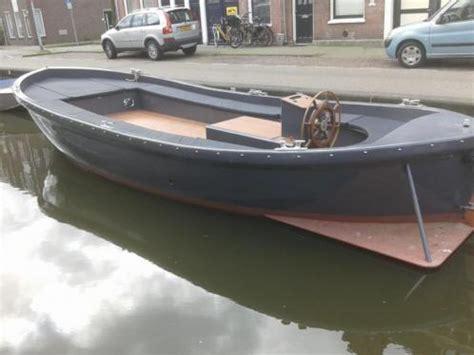 zeewaardige reddingssloep sloep diesel 80 pk toilet boegschroef zeewaardig