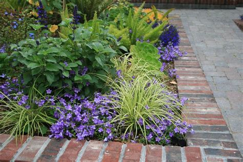 Driveway Entrance Planters by Raised Planter At Driveway Entry Walk Flickr Photo