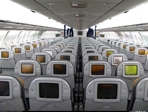 voli interni argentina airbus a340 642 lufthansa aviation photo 1255632