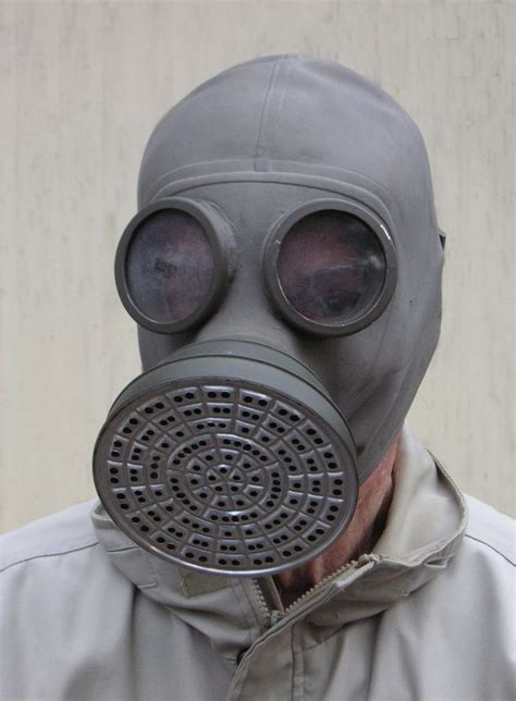 gas mask file 1930s gas mask jpg