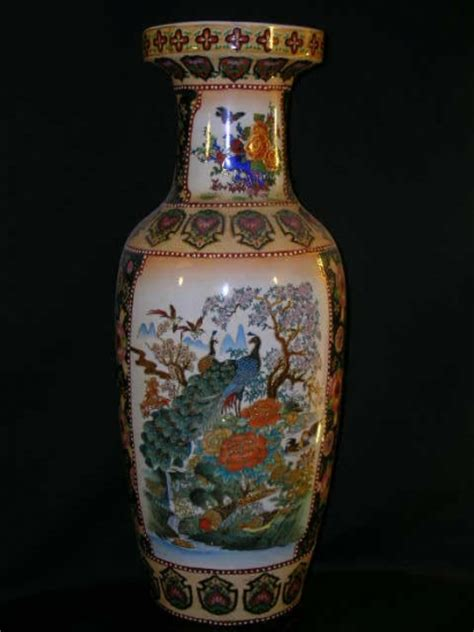 royal satsuma vase 107 lg japanese painted royal satsuma vase 1302051
