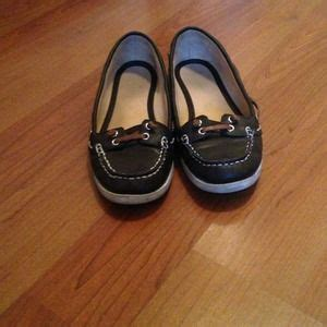boat shoes old navy old navy boat shoes on poshmark