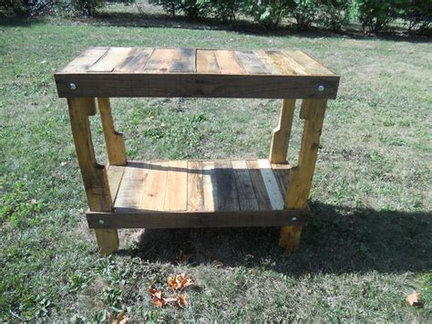 recycled upcycled reclaimed pallet wood table entry foyer plant table outdoor bar kitchen