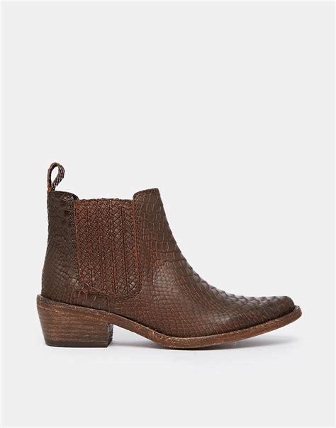 gardenia gardenia leather flat chelsea boots at asos