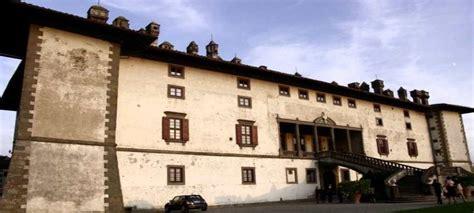 villa dei cento camini artimino artimino visitare borgo medievale e villa dei cento camini