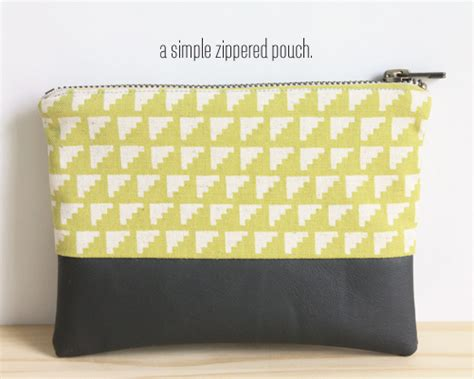 pattern for zippered pouch zippered pouch tutorial skip to my lou