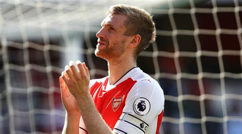 arsenal captain 2017 arsenal captain per mertesacker to hang up his boots in 2018
