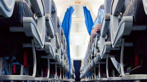 knopf reisen dieser geheime knopf sorgt im flugzeug f 252 r mehr
