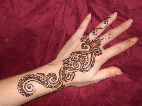 henna tattoo handgelenk henna design on henna and