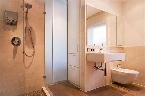 lackiertes badezimmer badezimmer sanieren und renovieren schreinerei kleinert