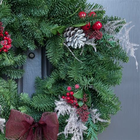 fresh luxury christmas wreath