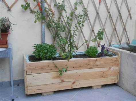 wooden pallet planter box 101 pallets