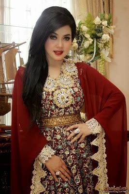 Muslim Kaftan Syahrini 13 foto desain baju muslim syahrini kumpulan model baju