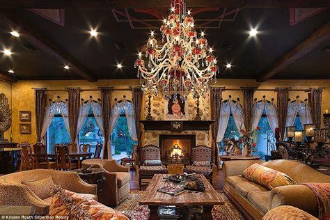 Eccentric Home Decor by Michael Jackson S Las Vegas Mega Mansion Hits The Market
