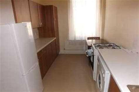1 bedroom flat plymouth 1 bedroom flat to rent in embankment road plymouth pl4