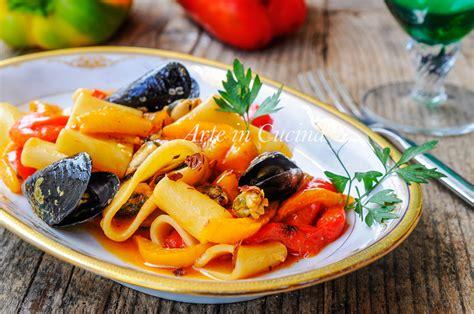 ricette per cucinare i paccheri paccheri con cozze e peperoni ricetta facile arte in cucina