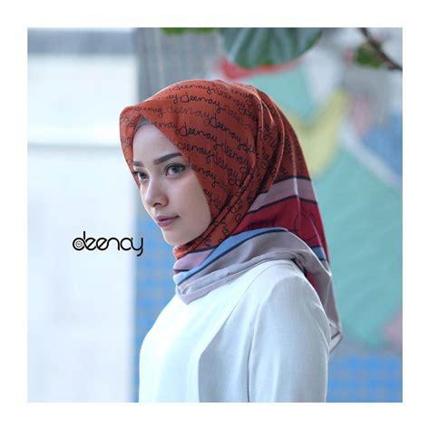 Jilbab Segi Empat Voal Printing Jilbab Segi Empat Deenay Izora Original