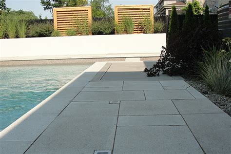 moderne terrassenfliesen modern pool deck tiles montreal outdoor living