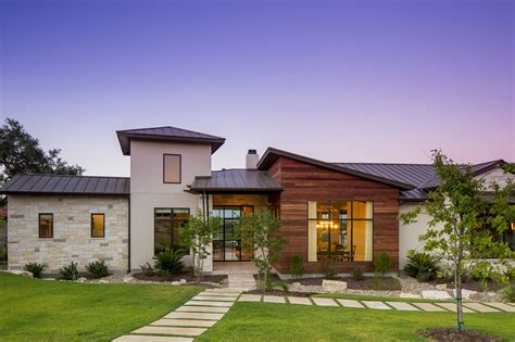 Houses For Sale by An Elegant Contemporary Home In Austin