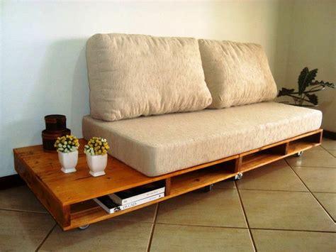 sofa de pallet sof 225 de pallet com acento e almofada