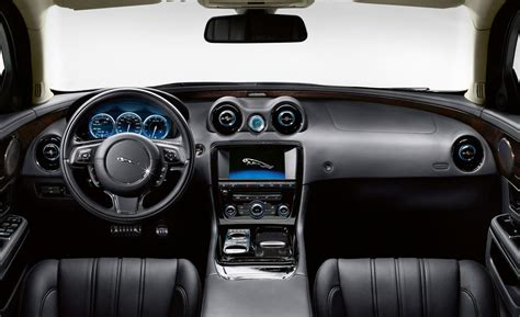 jaguar cars interior jaguar cars 2013 interior imgkid com the image kid