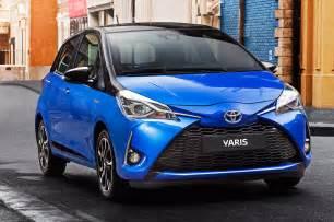 Toyota Yaris Hybrid 2017 Toyota Yaris Hybrid Front End Motor Trend