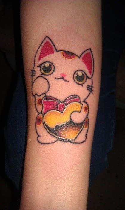 tattoo cat neko maneki neko tattoo i love it very bright tattoos