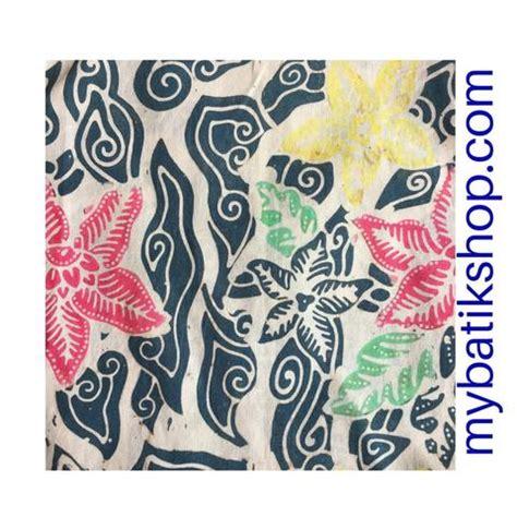 Batik Cap Wedelan Non Tolet 1 batik fabric sted blotted flowers mybatikshop