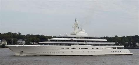 jacht van abramovich billionaire watch dasha zhukova and roman abramovich live
